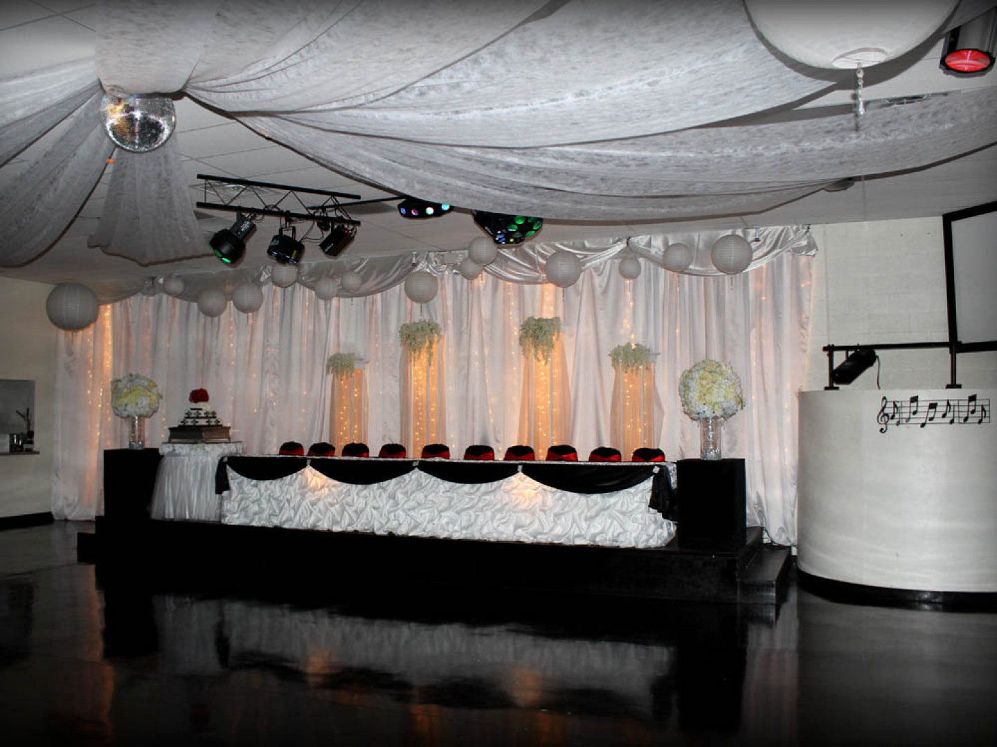 Looking for the perfect spot to host your dream wedding reception?